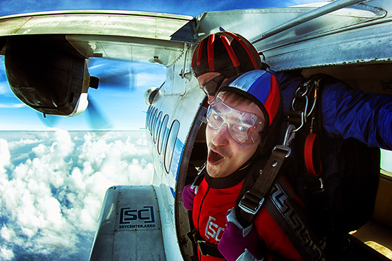 выход из самолета на высоте 4000 метров